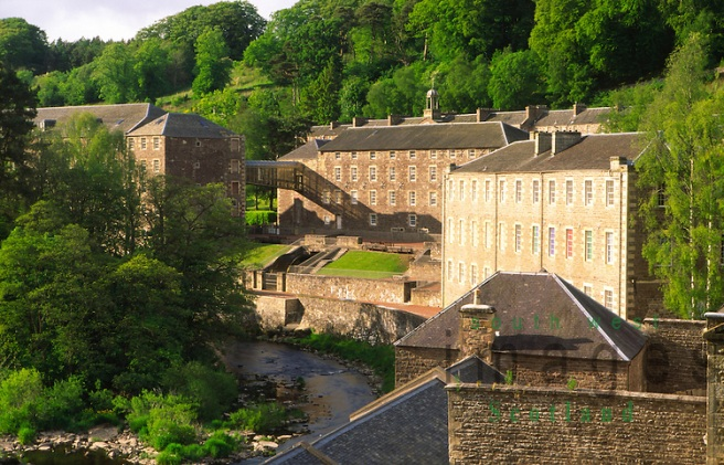 New-Lanark-UNESCO-World-Heritage-Site-conservation-village-Scotland.jpg